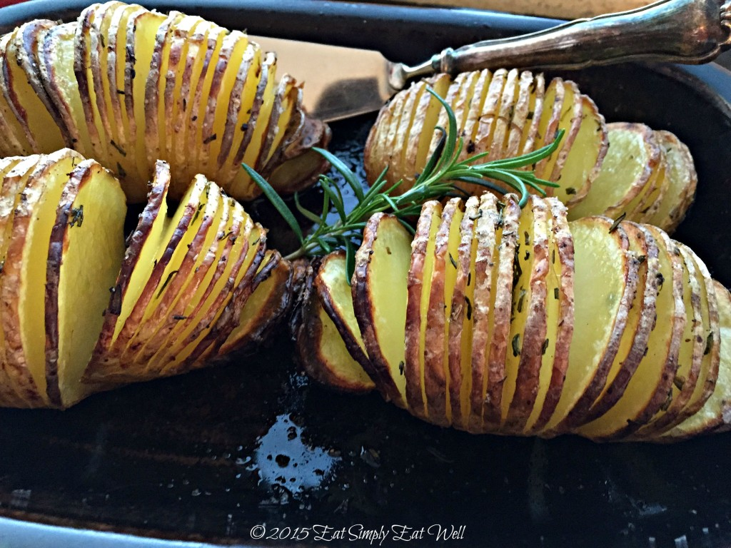 Rosemary_Hasselback_Potatoes_2_20150924