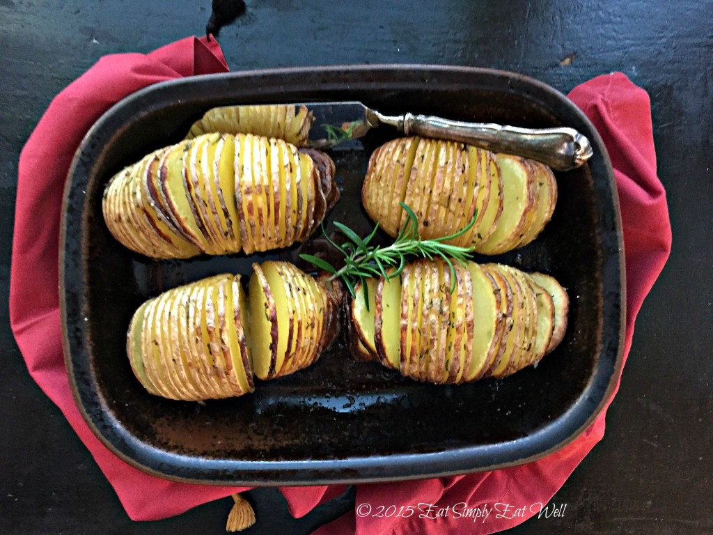 Rosemary_Hasselback_Potatoes_3_20150924